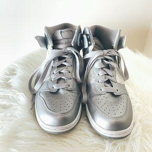 Women's Nike High Top Size 8